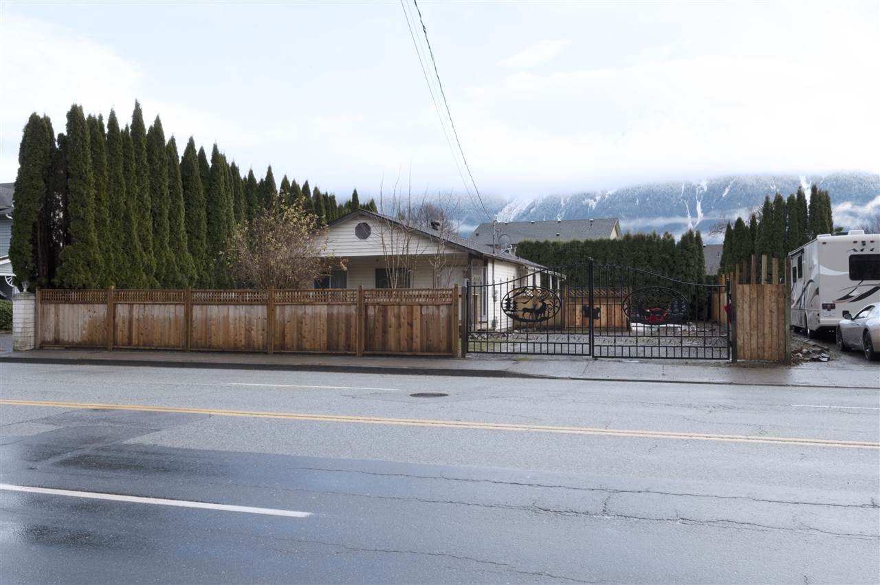 Main Photo: 1618 AGASSIZ-ROSEDALE NO 9 Highway: Agassiz House for sale : MLS®# R2526322