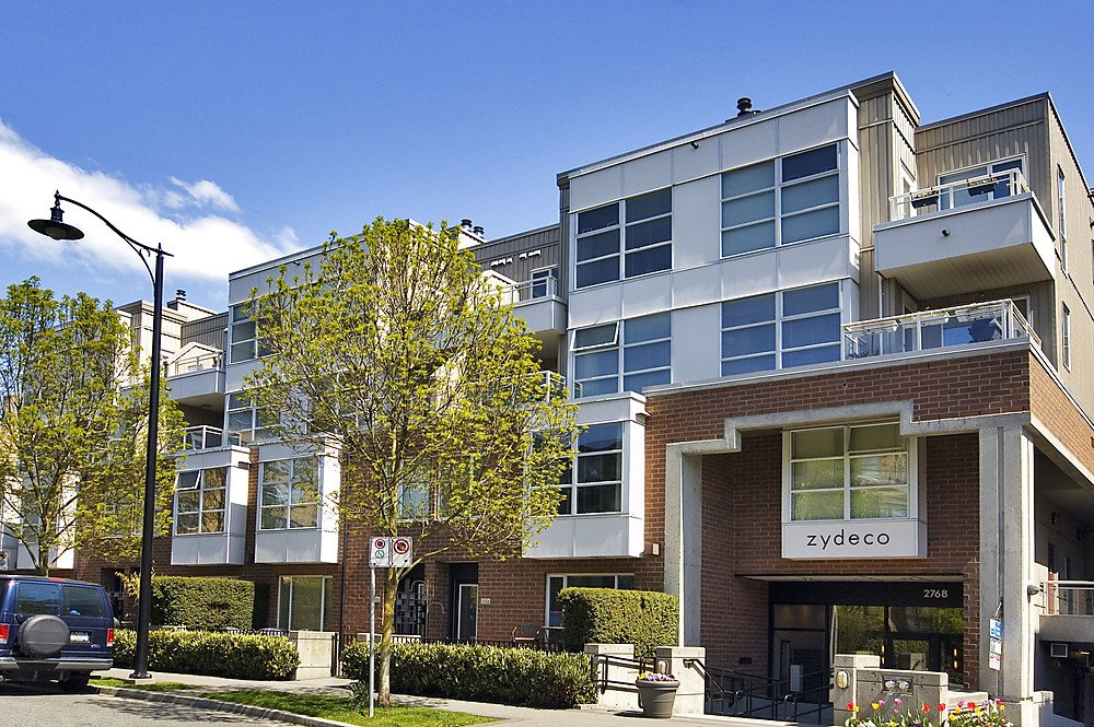 """Main Photo: 322 2768 CRANBERRY Drive in Vancouver: Kitsilano Condo for sale in """"ZYDECO"""" (Vancouver West)  : MLS®# V940896"""
