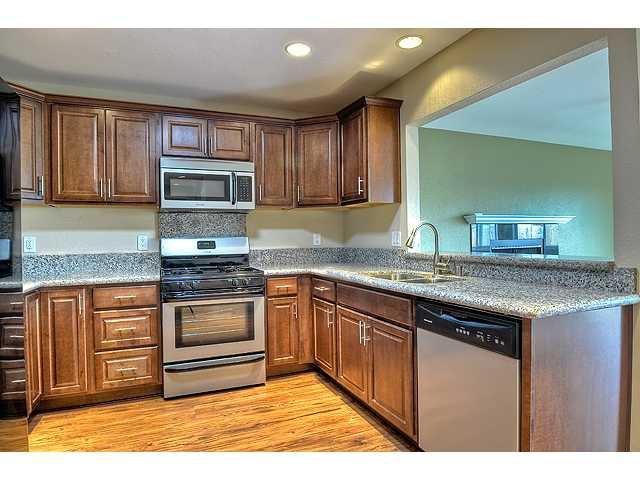 Photo 5: Photos: MIRA MESA House for sale : 3 bedrooms : 8624 Bennington Street in San Diego