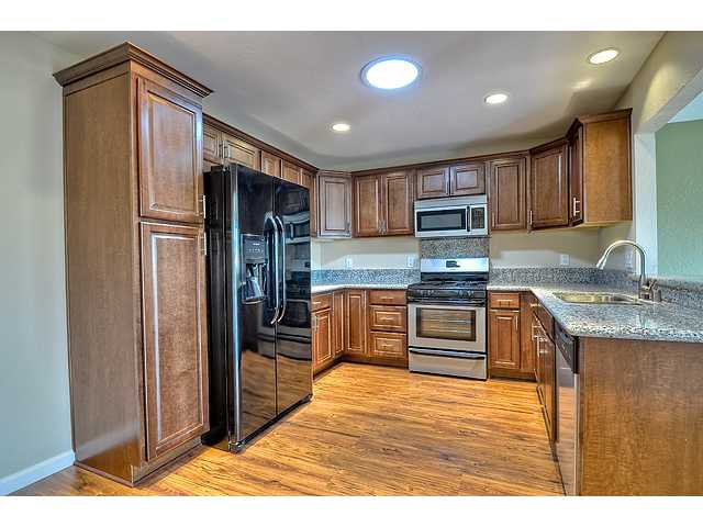Photo 6: Photos: MIRA MESA House for sale : 3 bedrooms : 8624 Bennington Street in San Diego