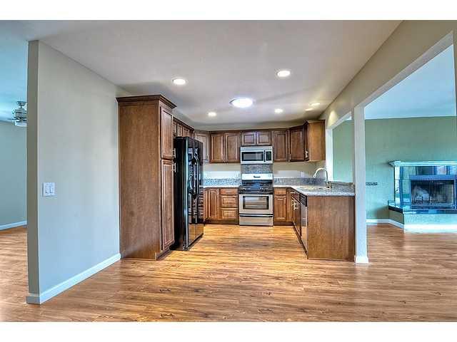 Photo 4: Photos: MIRA MESA House for sale : 3 bedrooms : 8624 Bennington Street in San Diego