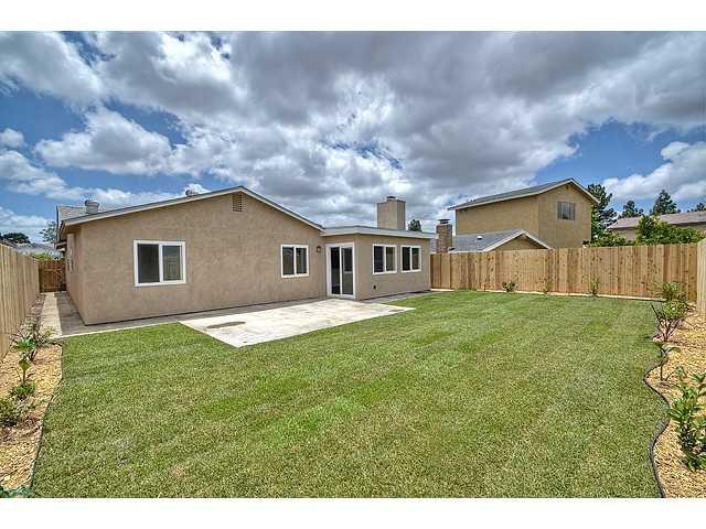 Photo 17: Photos: MIRA MESA House for sale : 3 bedrooms : 8624 Bennington Street in San Diego