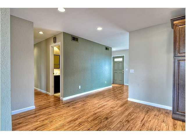 Photo 13: Photos: MIRA MESA House for sale : 3 bedrooms : 8624 Bennington Street in San Diego