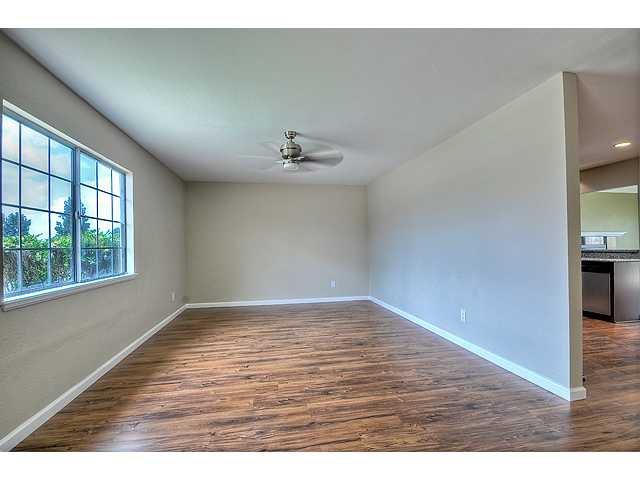 Photo 12: Photos: MIRA MESA House for sale : 3 bedrooms : 8624 Bennington Street in San Diego