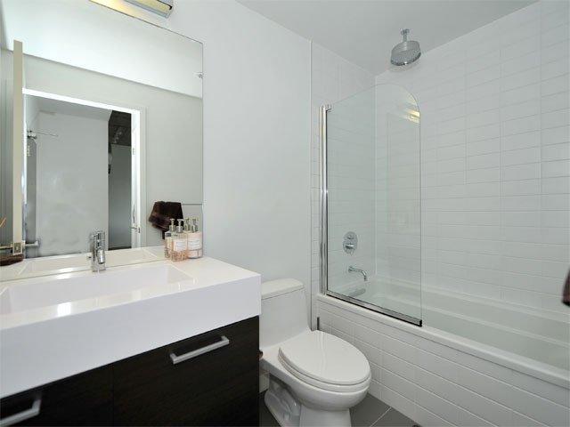 Photo 8: Photos: 911 90 Broadview Avenue in Toronto: South Riverdale Condo for sale (Toronto E01)  : MLS®# E2791565