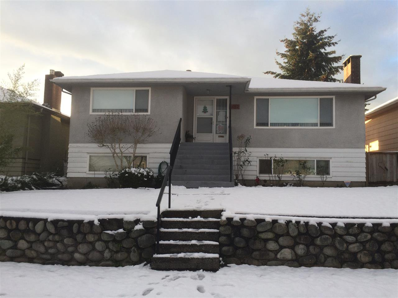 Main Photo: 1057 WINDERMERE STREET in Vancouver: Renfrew VE House for sale (Vancouver East)  : MLS®# R2128134
