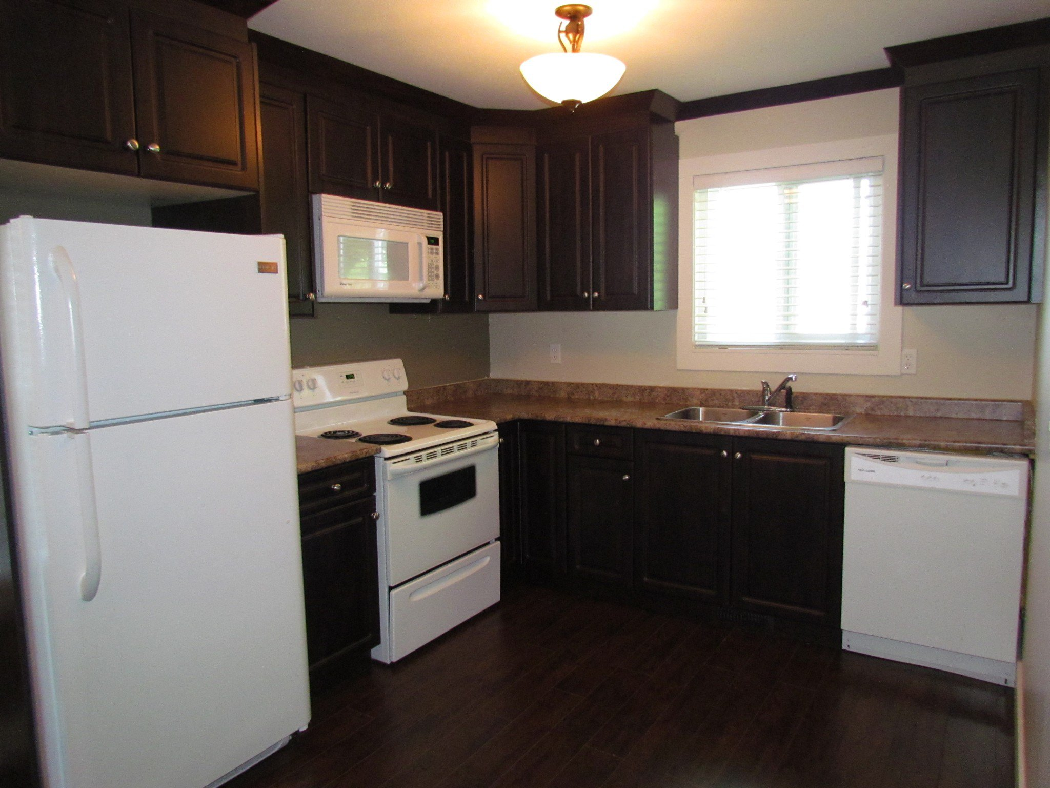 Photo 4: Photos: 3465 Juniper Cr. in Abbotsford: Abbotsford East House for rent