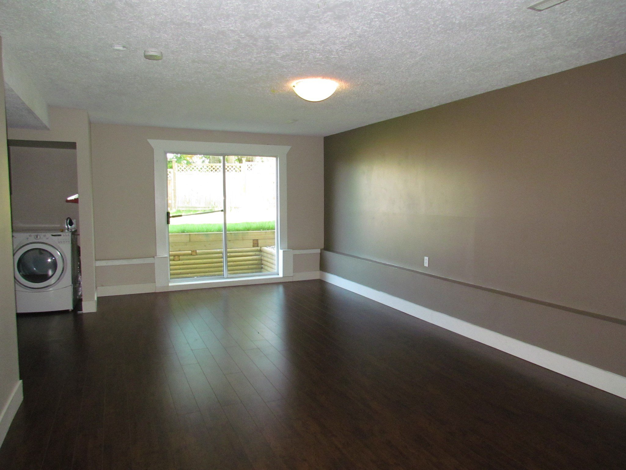 Photo 9: Photos: 3465 Juniper Cr. in Abbotsford: Abbotsford East House for rent