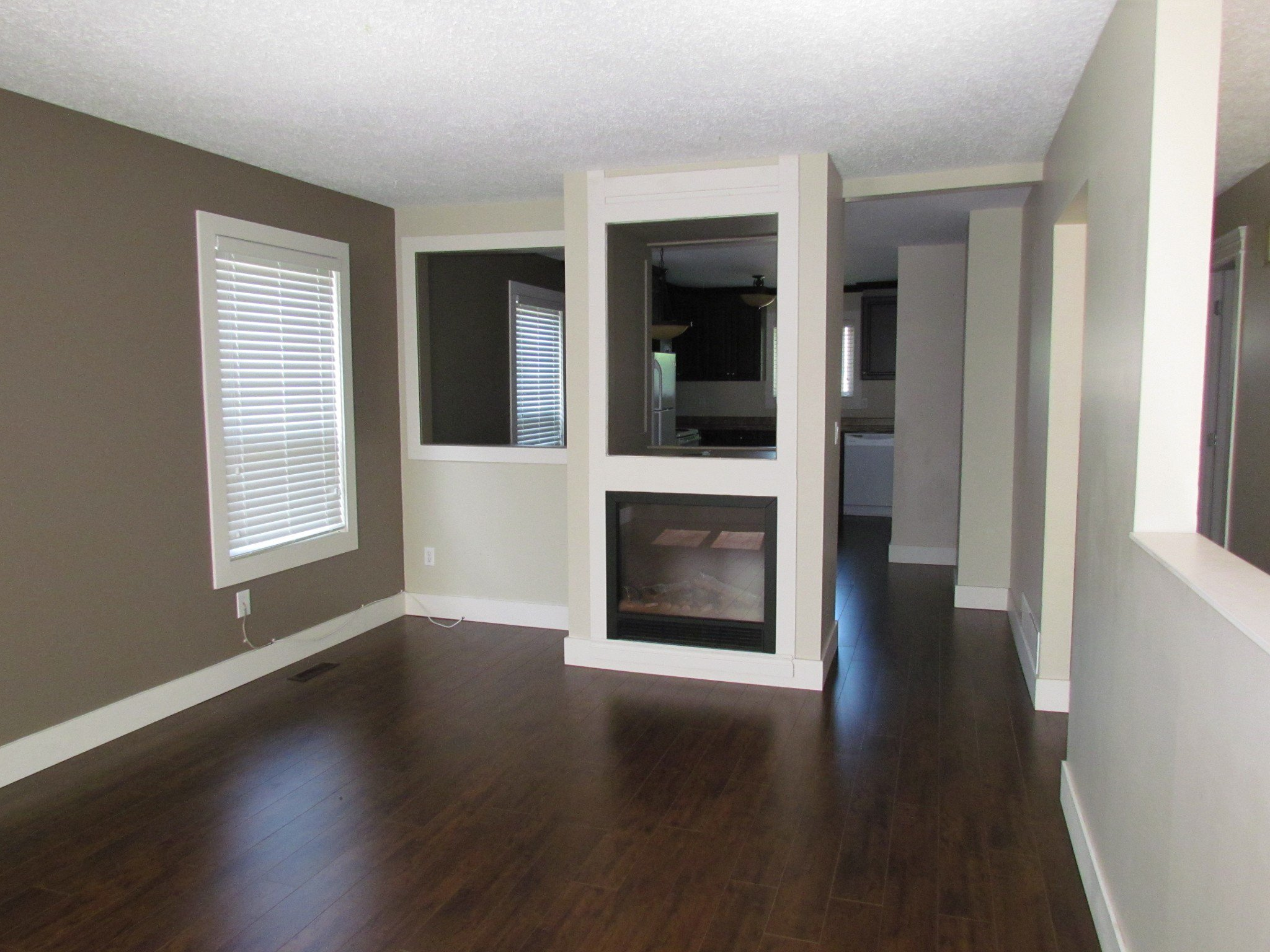 Photo 3: Photos: 3465 Juniper Cr. in Abbotsford: Abbotsford East House for rent