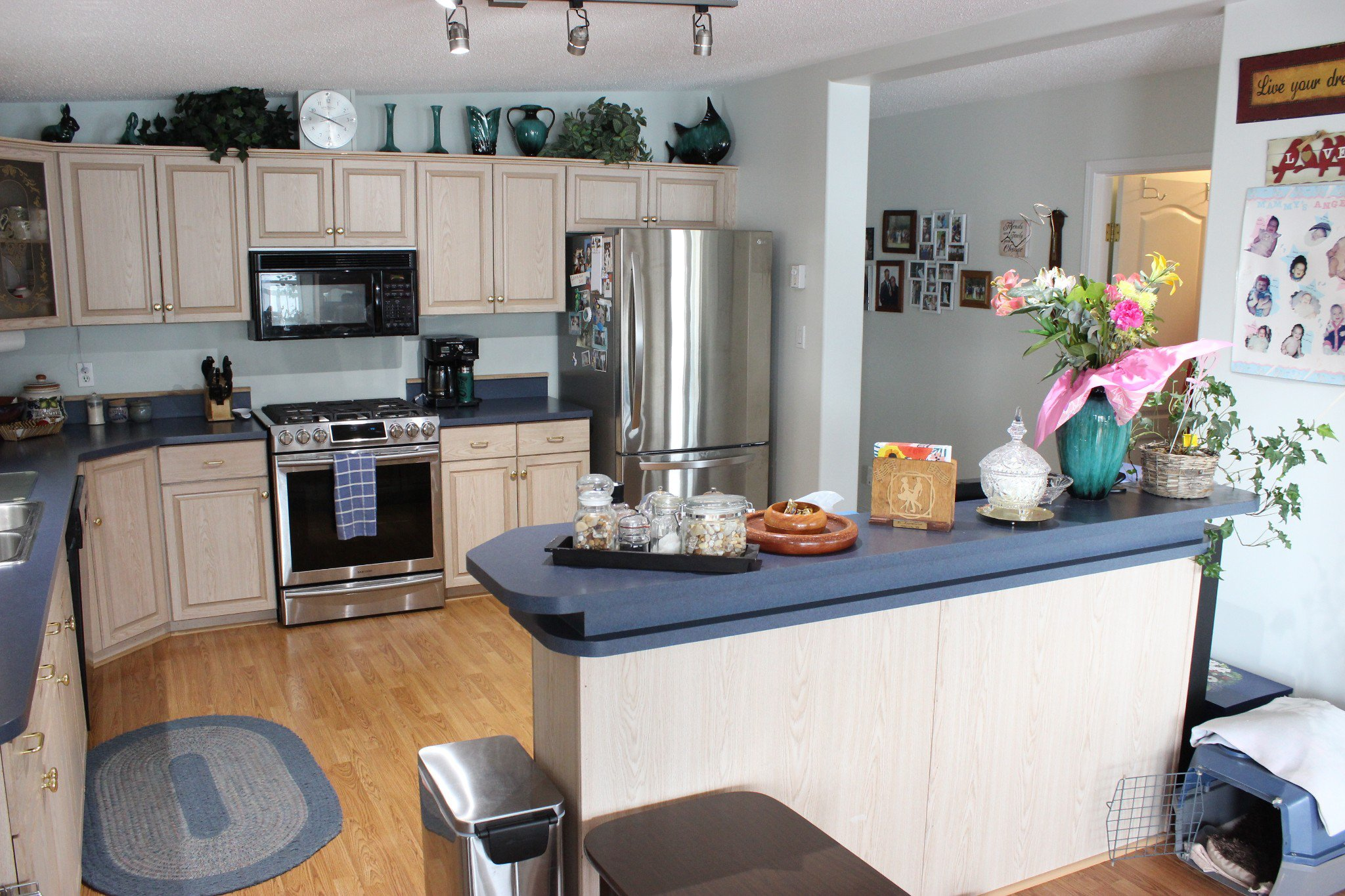 Photo 9: Photos: 74 2932 Buckley Road: Sorrento Manufactured Home for sale ()