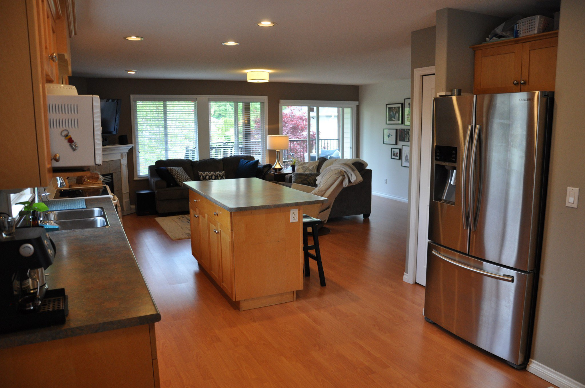 Photo 4: Photos: 4076 Channel St. in Abbotsford: Abbotsford East House for rent