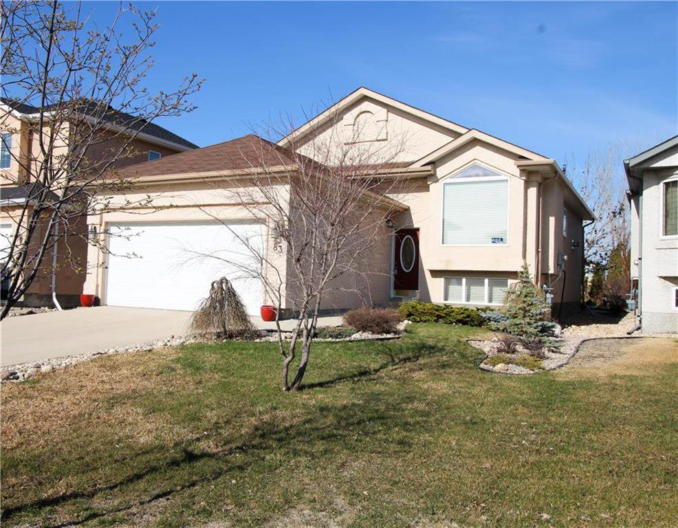 Main Photo: 83 Burke Bay in Winnipeg: Royalwood Residential for sale (2J)  : MLS®# 202009870
