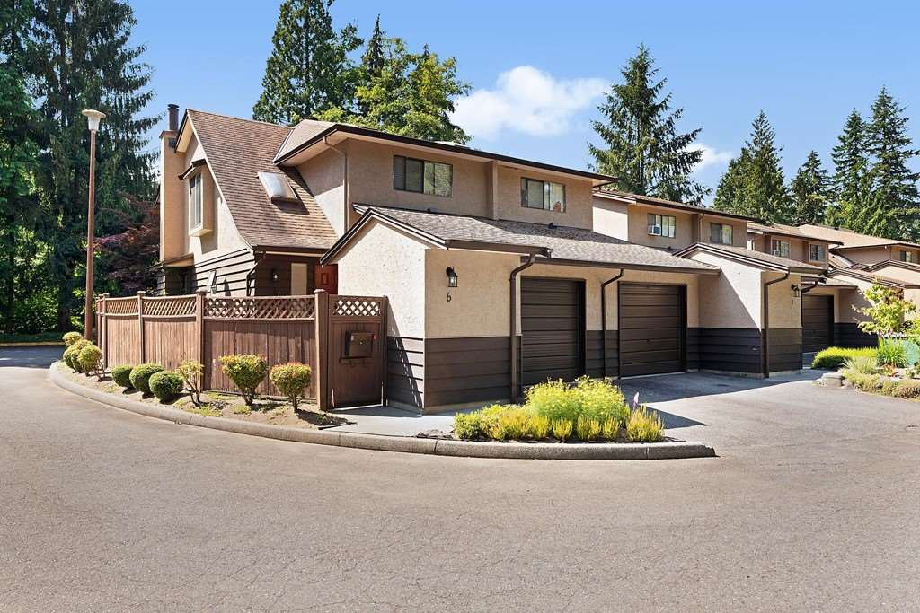 "Main Photo: 6 12227 SKILLEN Street in Maple Ridge: Northwest Maple Ridge Townhouse for sale in ""MCKINNEY CREEK ESTATES"" : MLS®# R2481842"