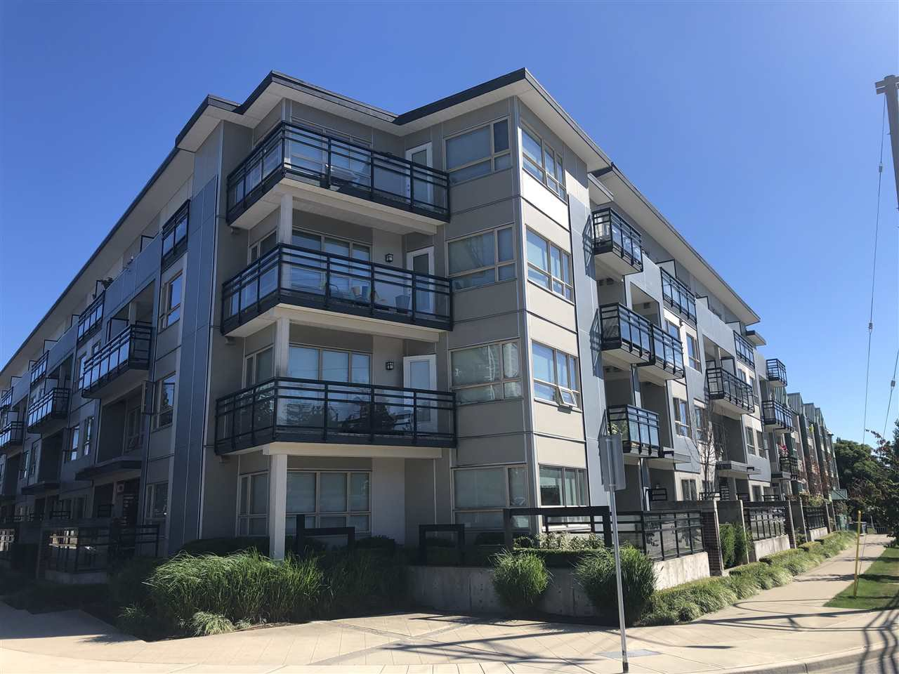 """Main Photo: 214 13228 OLD YALE Road in Surrey: Whalley Condo for sale in """"CONNECT"""" (North Surrey)  : MLS®# R2491962"""