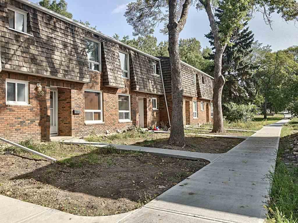Main Photo: 37 Great Oaks: Sherwood Park Townhouse for sale : MLS®# E4214982