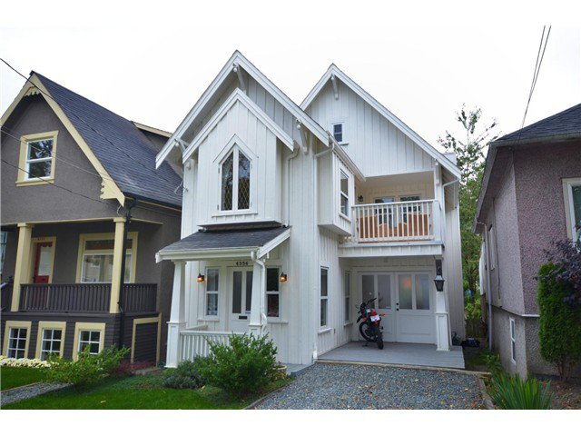 "Main Photo: 4356 PRINCE EDWARD ST in Vancouver: Fraser VE House for sale in ""MAIN/FRASER"" (Vancouver East)  : MLS®# V991538"