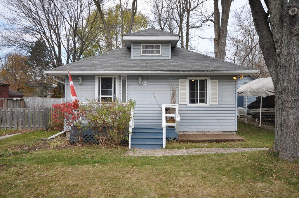 Main Photo: : Freehold for sale : MLS®# N2235514