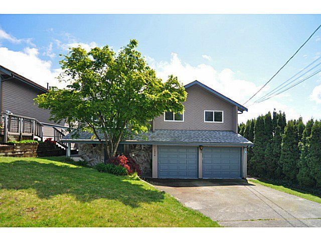 Main Photo: 1934 WILTSHIRE AV in Coquitlam: Cape Horn House for sale : MLS®# V1062602