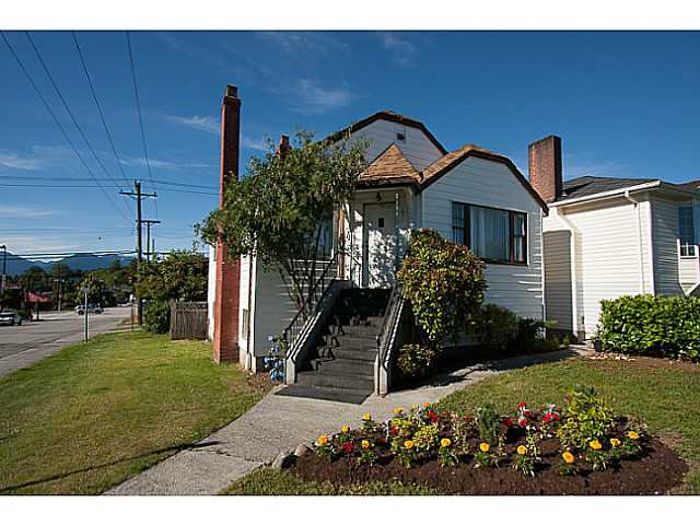 Main Photo: 4801 PENDER Street in Burnaby: Capitol Hill BN House for sale (Burnaby North)  : MLS®# V1075937