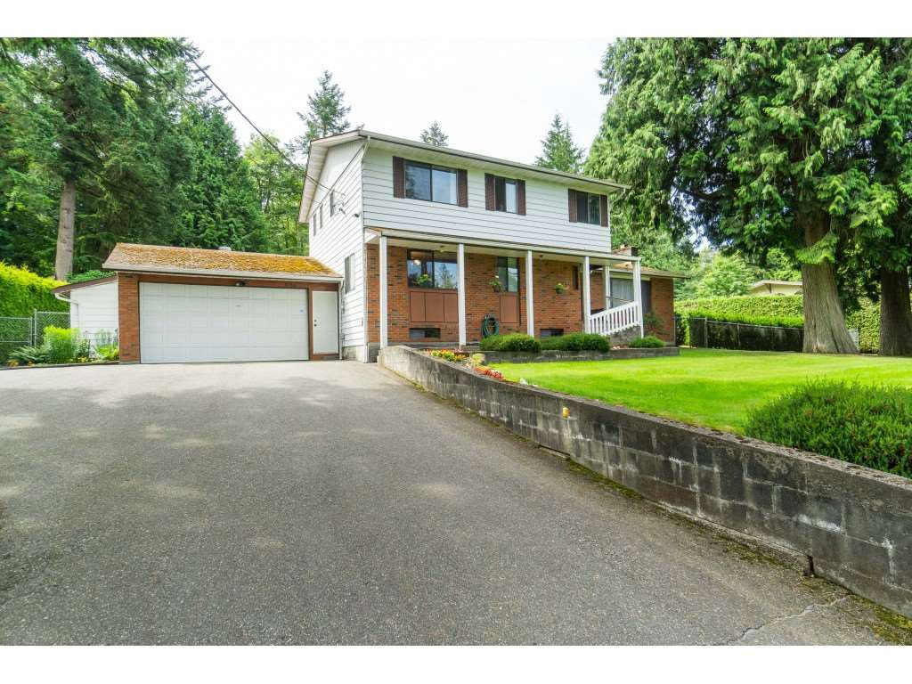 Main Photo: 16766 NORTHVIEW Crescent in Surrey: Grandview Surrey House for sale (South Surrey White Rock)  : MLS®# R2388869