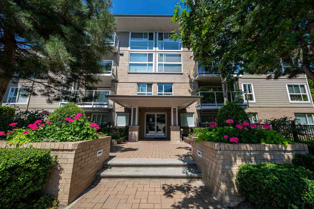 "Main Photo: 406 22255 122 Avenue in Maple Ridge: West Central Condo for sale in ""Magnolia Gate"" : MLS®# R2392786"