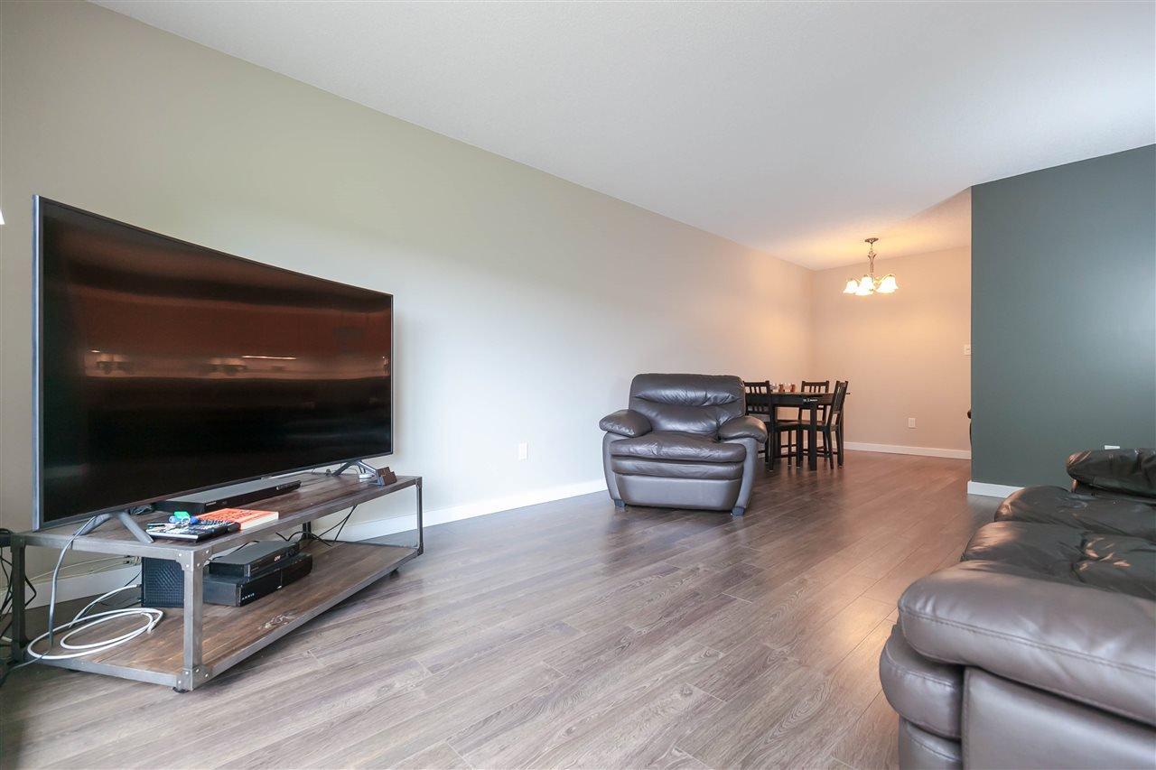 Photo 9: Photos: 319 8231 GRANVILLE Avenue in Richmond: Brighouse Condo for sale : MLS®# R2399508