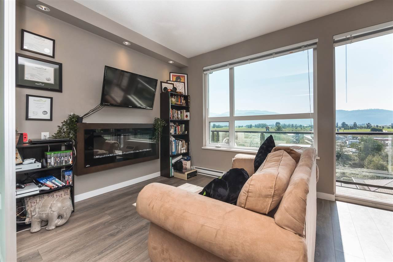 """Main Photo: 407 2242 WHATCOM Road in Abbotsford: Abbotsford East Condo for sale in """"Waterleaf"""" : MLS®# R2399795"""