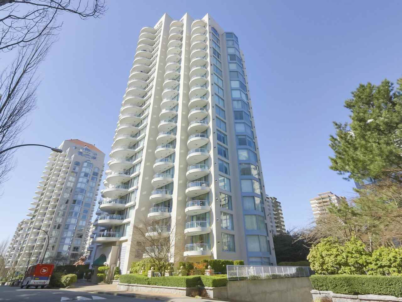 Main Photo: 803 719 PRINCESS STREET in New Westminster: Uptown NW Condo for sale : MLS®# R2417616