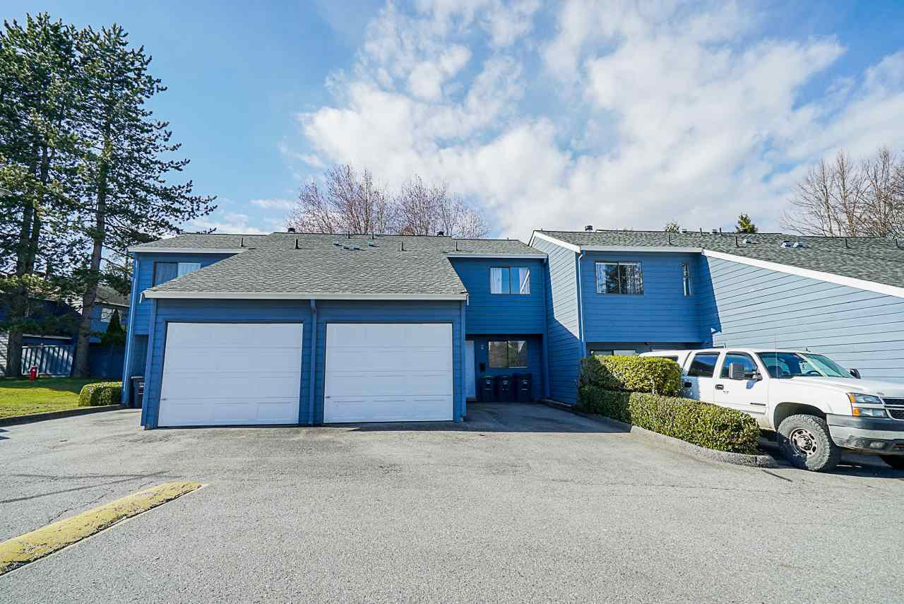 Main Photo: 2 9982 149 Street in Surrey: Guildford Townhouse for sale (North Surrey)  : MLS®# R2447721