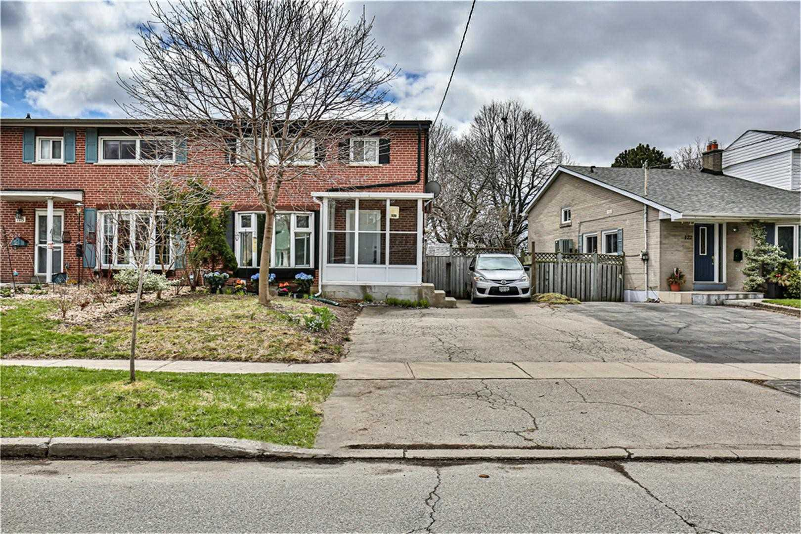 Main Photo: 120 Roywood Drive in Toronto: Parkwoods-Donalda House (Backsplit 4) for lease (Toronto C13)  : MLS®# C4747660