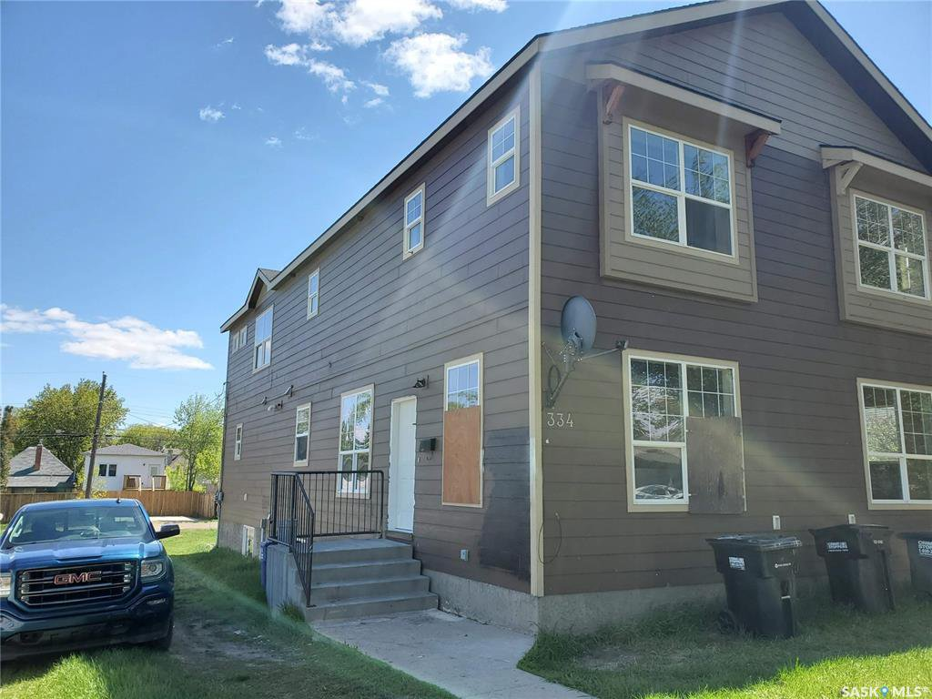 Main Photo: 334 T Avenue South in Saskatoon: Pleasant Hill Residential for sale : MLS®# SK809931
