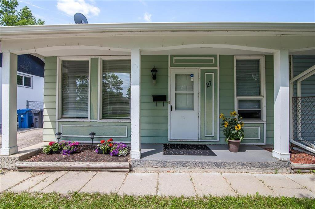 Main Photo: 27 Costello Drive in Winnipeg: Crestview Residential for sale (5H)  : MLS®# 202013357