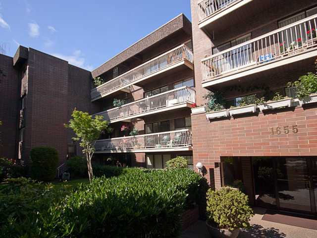 "Main Photo: 408 1655 NELSON Street in Vancouver: West End VW Condo for sale in ""HEMPSTEAD MANOR"" (Vancouver West)  : MLS®# V944845"