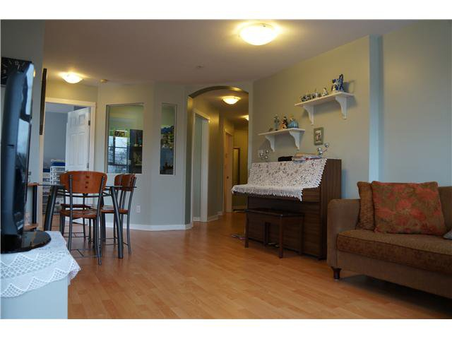 Photo 6: Photos: # 302 2102 W 38TH AV in Vancouver: Kerrisdale Condo for sale (Vancouver West)  : MLS®# V1041425