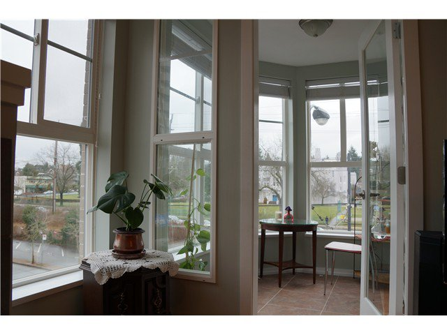 Photo 15: Photos: # 302 2102 W 38TH AV in Vancouver: Kerrisdale Condo for sale (Vancouver West)  : MLS®# V1041425