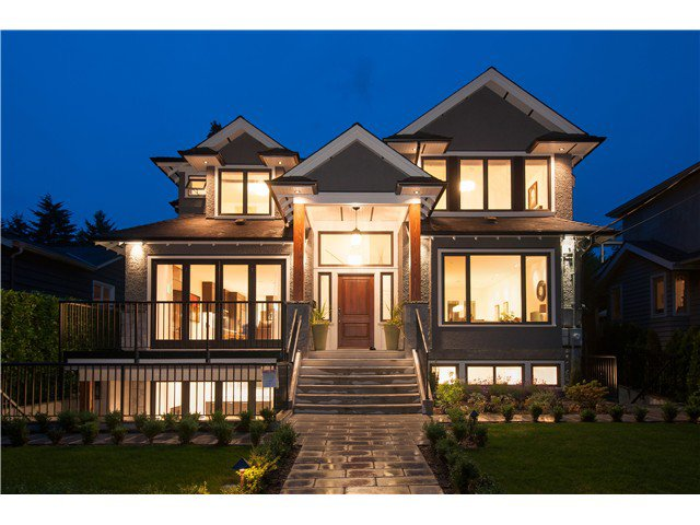 Main Photo: 1569 JEFFERSON Avenue in West Vancouver: Ambleside House for sale : MLS®# V1073552