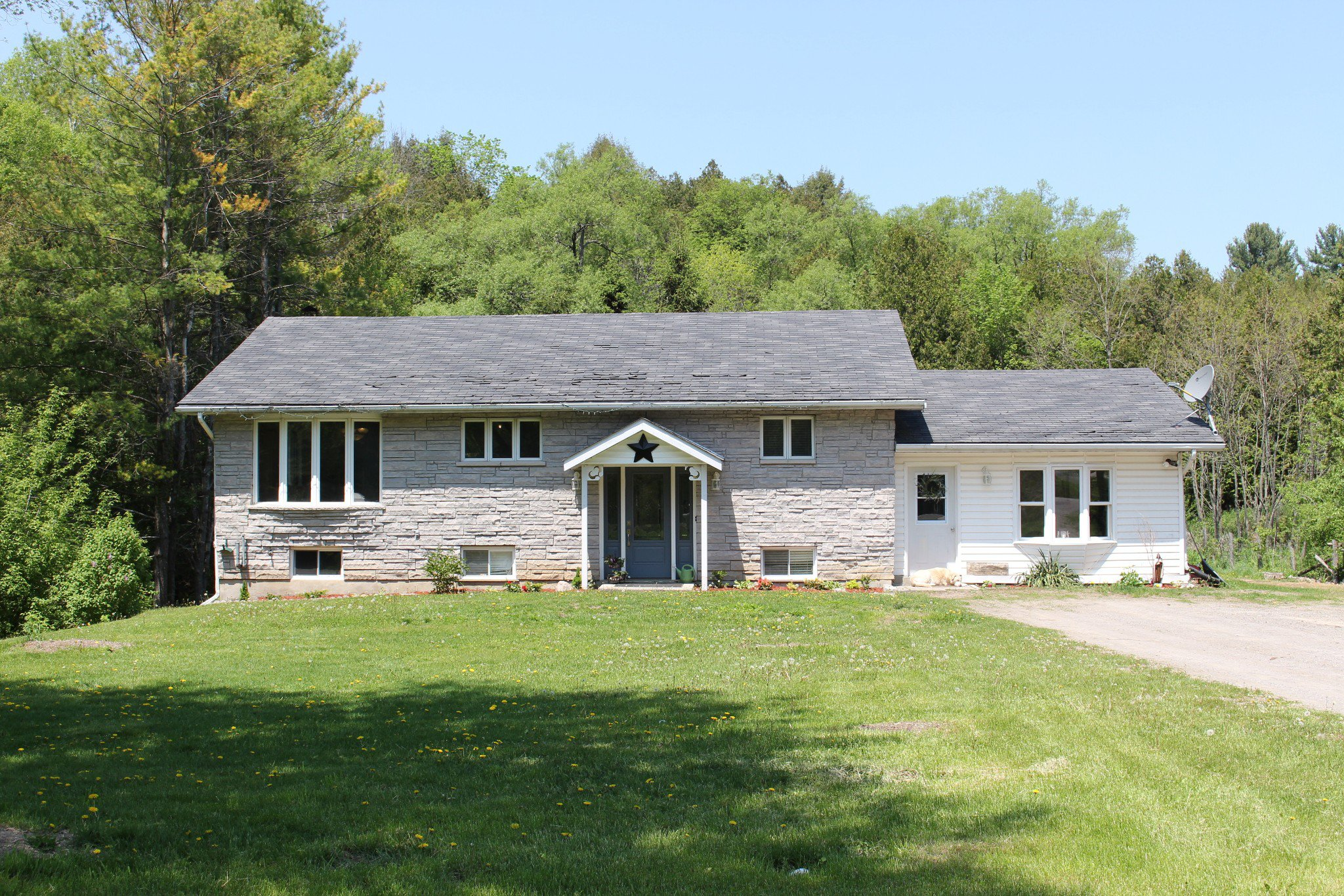 Main Photo: 2438 Shelter Valley Road in Vernonville: House for sale : MLS®# 129150