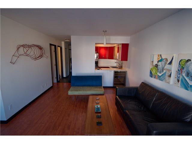Main Photo: 302 2133 DUNDAS STREET in : Hastings Condo for sale : MLS®# V947899