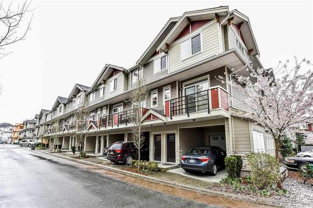 Main Photo: : Townhouse for sale : MLS®# R2255817