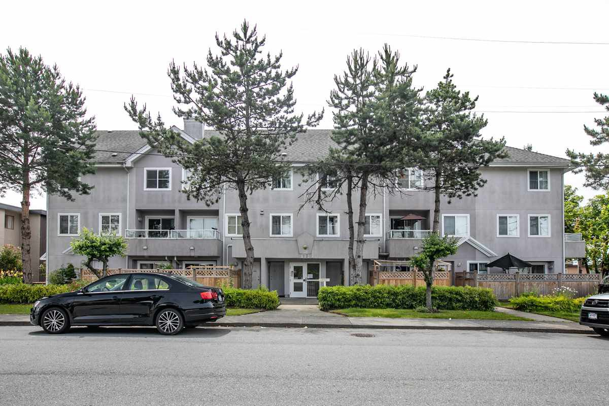 Main Photo: 202 6930 BALMORAL Street in Burnaby: Highgate Townhouse for sale (Burnaby South)  : MLS®# R2482643