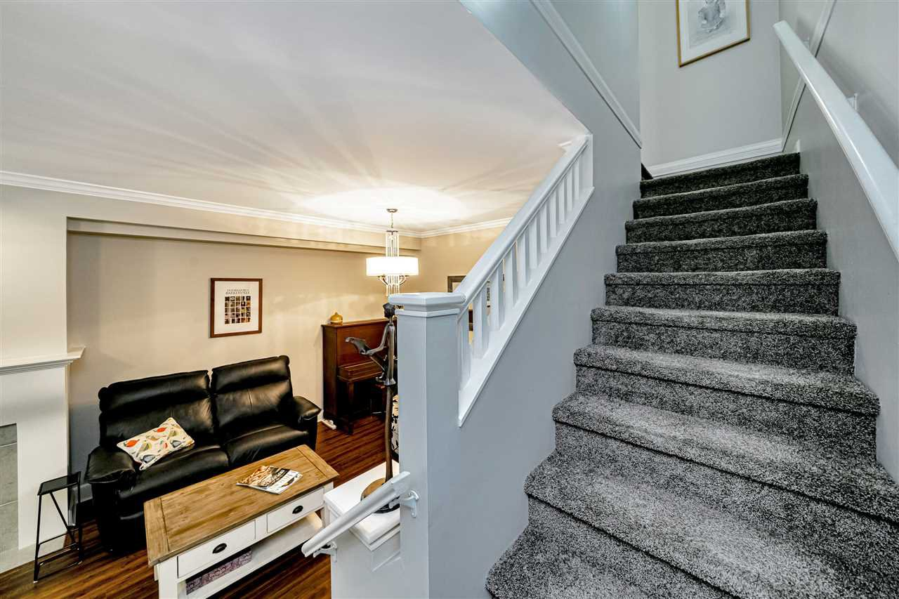 """Photo 19: Photos: 57 2678 KING GEORGE Boulevard in Surrey: King George Corridor Townhouse for sale in """"Mirada"""" (South Surrey White Rock)  : MLS®# R2503780"""