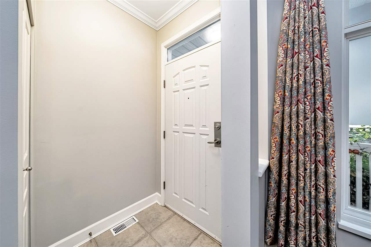 """Photo 6: Photos: 57 2678 KING GEORGE Boulevard in Surrey: King George Corridor Townhouse for sale in """"Mirada"""" (South Surrey White Rock)  : MLS®# R2503780"""
