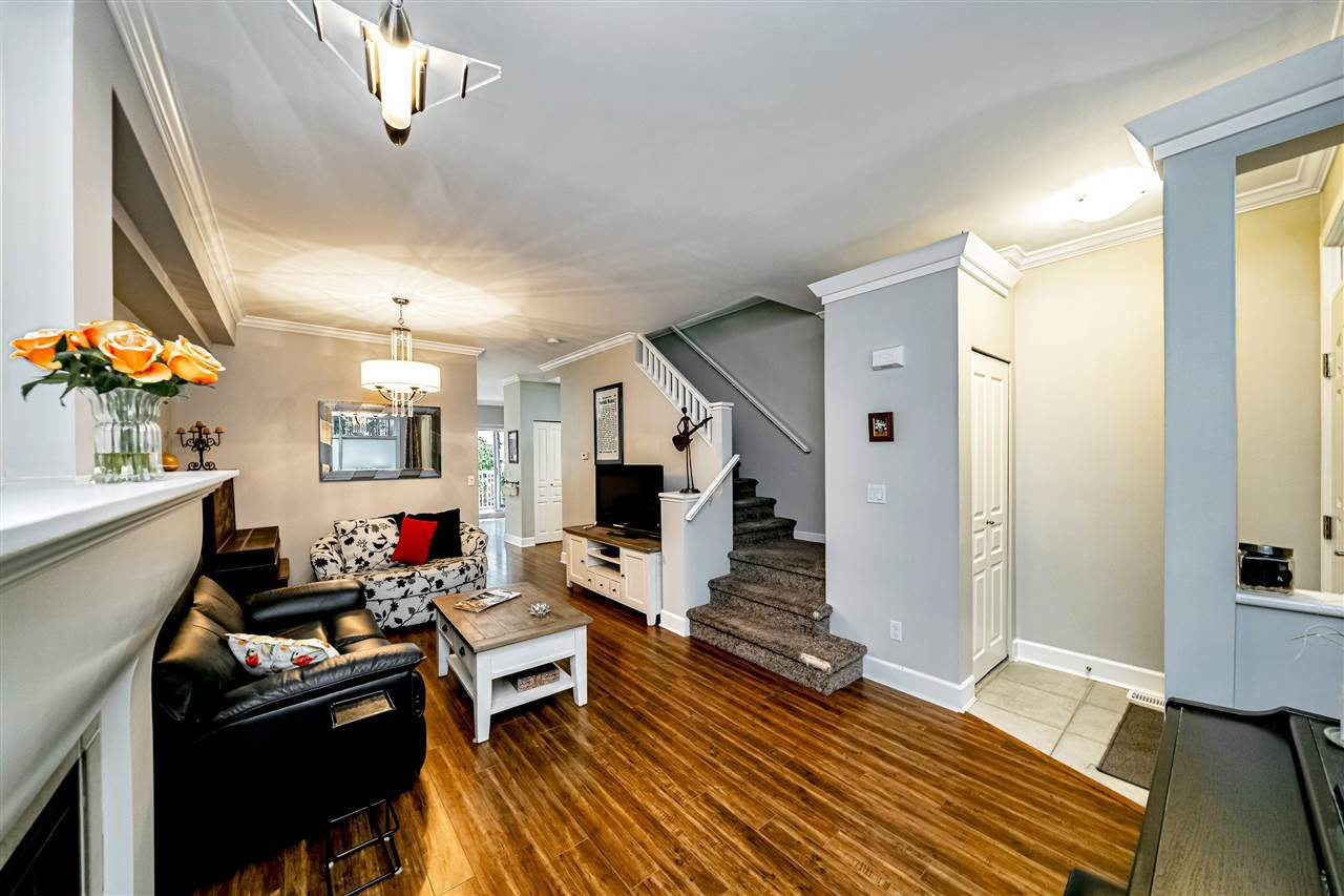 """Photo 9: Photos: 57 2678 KING GEORGE Boulevard in Surrey: King George Corridor Townhouse for sale in """"Mirada"""" (South Surrey White Rock)  : MLS®# R2503780"""
