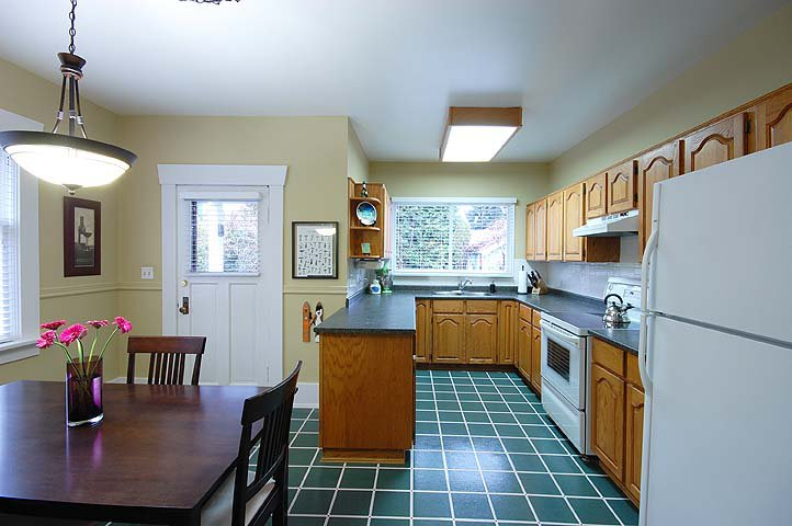 "Photo 8: Photos: 1105 DUBLIN ST in New Westminster: Moody Park House for sale in ""MOODY PARK"" : MLS®# V992485"