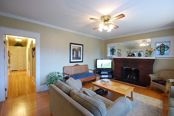 "Photo 2: Photos: 1105 DUBLIN ST in New Westminster: Moody Park House for sale in ""MOODY PARK"" : MLS®# V992485"