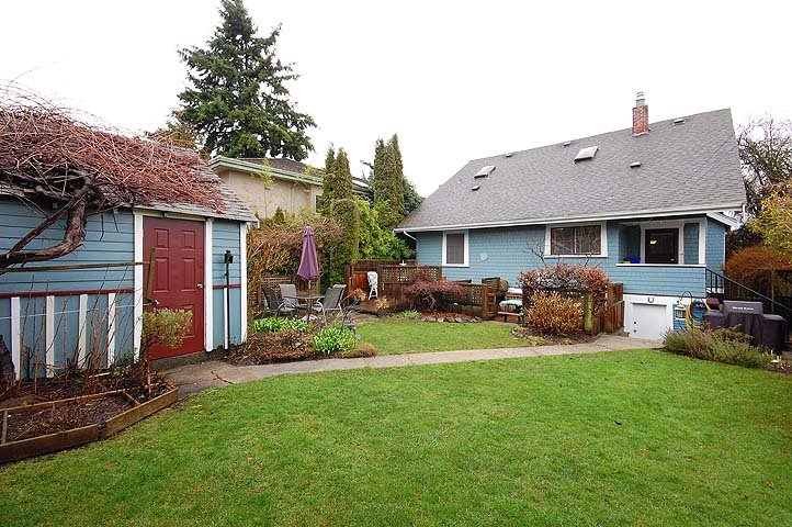 "Photo 33: Photos: 1105 DUBLIN ST in New Westminster: Moody Park House for sale in ""MOODY PARK"" : MLS®# V992485"