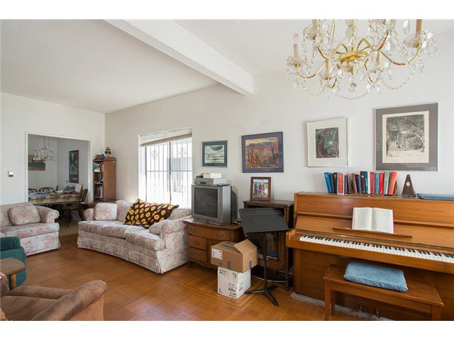 Photo 4: Photos: 8238 SHAUGHNESSY Street in Vancouver: Marpole House for sale (Vancouver West)  : MLS®# V1004295