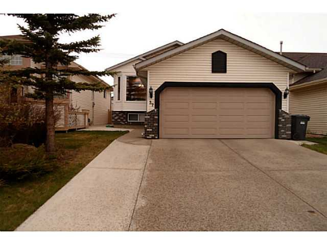 Main Photo: 37 CITADEL Gardens NW in CALGARY: Citadel Residential Detached Single Family for sale (Calgary)  : MLS®# C3568731