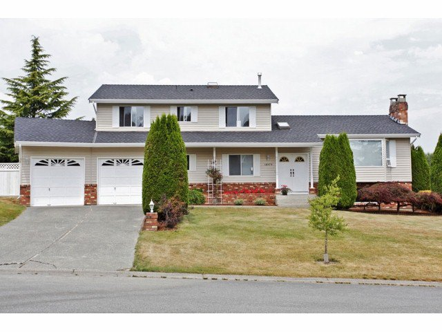 Main Photo: 18979 SUNRISE Avenue in Surrey: Cloverdale BC House for sale (Cloverdale)  : MLS®# F1315529