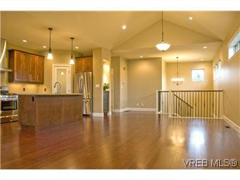Photo 5: Photos: 3633 Coleman Place in VICTORIA: Co Latoria Residential for sale (Colwood)  : MLS®# 302702